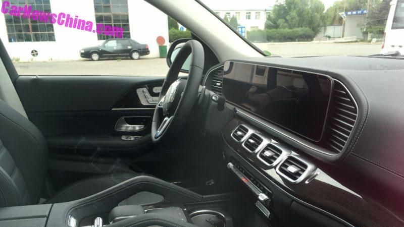spied w167 mercedes benz gle interior seen in full. Black Bedroom Furniture Sets. Home Design Ideas