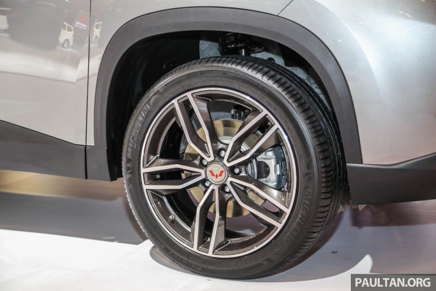 GIIAS 2018: Wuling previews upcoming SUV for Indonesia, based on Chinese market Baojun 530 Image #850446