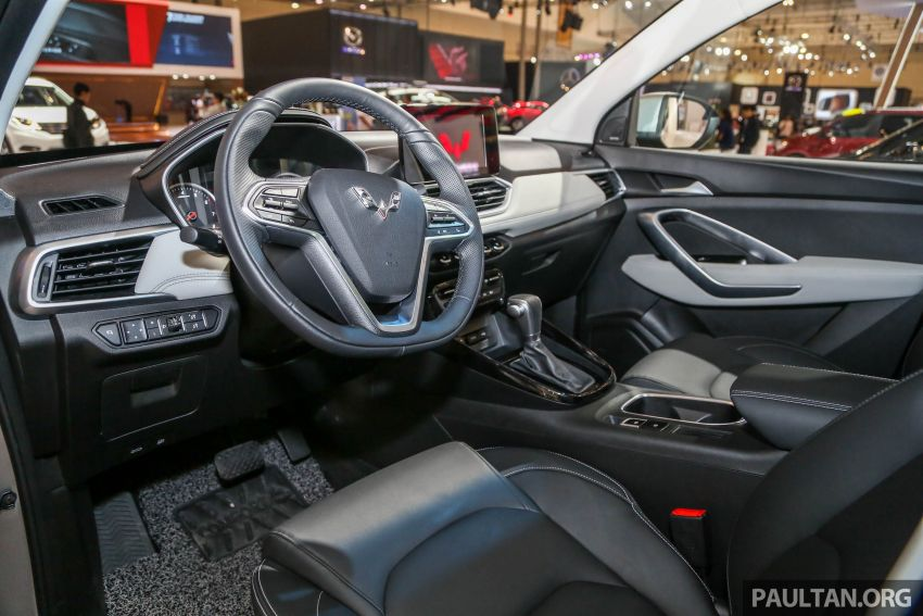GIIAS 2018: Wuling previews upcoming SUV for Indonesia, based on Chinese market Baojun 530 Image #850451