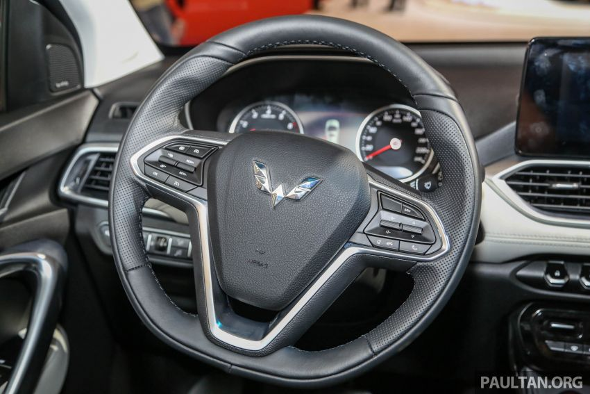 GIIAS 2018: Wuling previews upcoming SUV for Indonesia, based on Chinese market Baojun 530 Image #850453