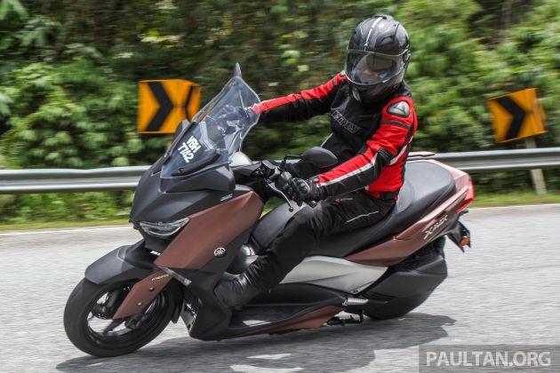מעולה REVIEW: 2018 Yamaha XMax 250 - scooterific fun BC-04