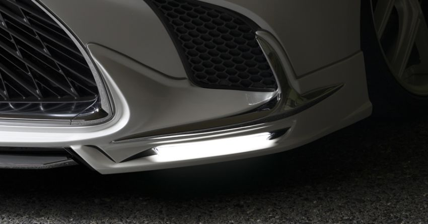 Lexus LS gets sinister makeover by Wald International Image #859917