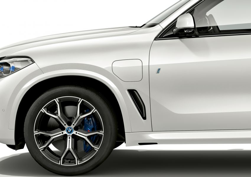 BMW X5 xDrive45e iPerformance plug-in hybrid announced – 2019 debut, 80 km pure electric range Image #858944