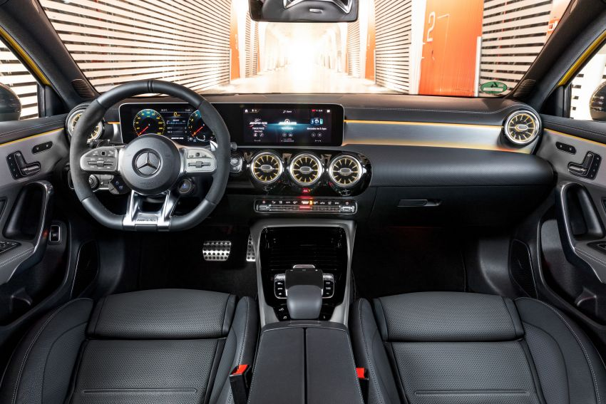 Mercedes-AMG A35 4Matic debuts – 306 hp, 400 Nm! Image #862379