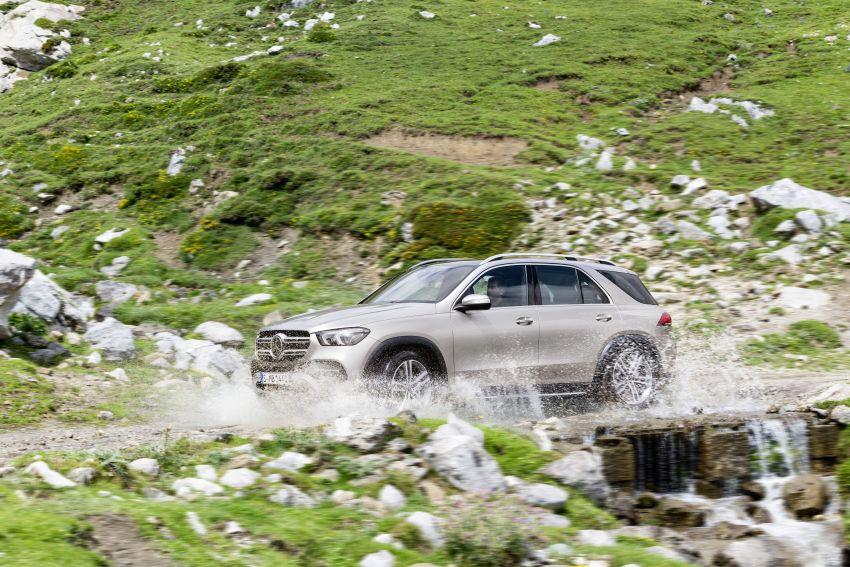 Mercedes-Benz GLE W167 diperkenal dengan pilihan enjin hibrid ringkas 48V enam silinder, sistem baru Image #859966