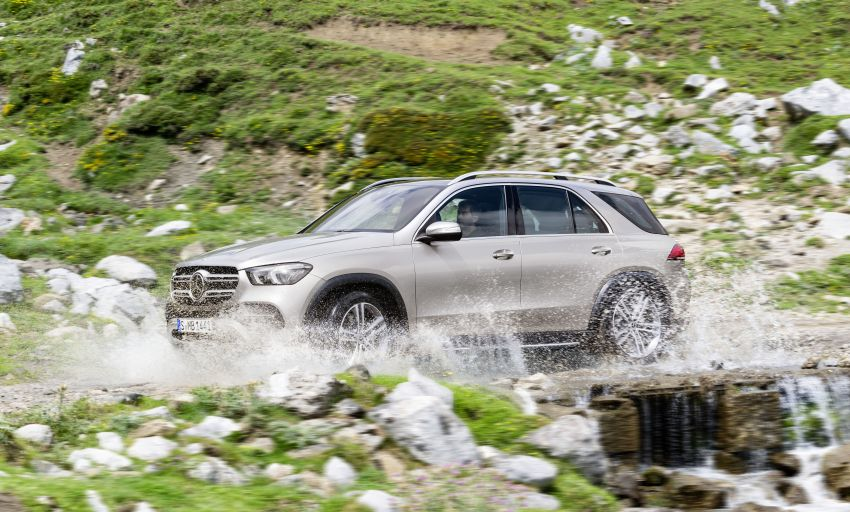 V167 Mercedes-Benz GLE debuts with 48V mild hybrid inline-six, MBUX, new styling, E-Active Body Control Image #859448