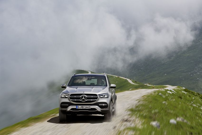 V167 Mercedes-Benz GLE debuts with 48V mild hybrid inline-six, MBUX, new styling, E-Active Body Control Image #859450