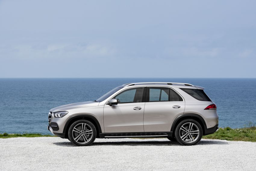 V167 Mercedes-Benz GLE debuts with 48V mild hybrid inline-six, MBUX, new styling, E-Active Body Control Image #859451