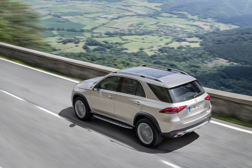 V167 Mercedes-Benz GLE debuts with 48V mild hybrid inline-six, MBUX, new styling, E-Active Body Control Image #859433