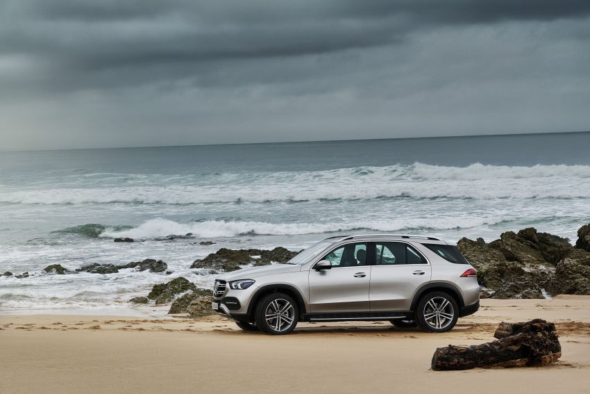 V167 Mercedes-Benz GLE debuts with 48V mild hybrid inline-six, MBUX, new styling, E-Active Body Control Image #859461
