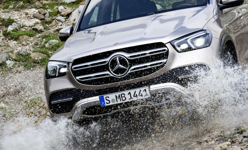 V167 Mercedes-Benz GLE debuts with 48V mild hybrid inline-six, MBUX, new styling, E-Active Body Control Image #859476