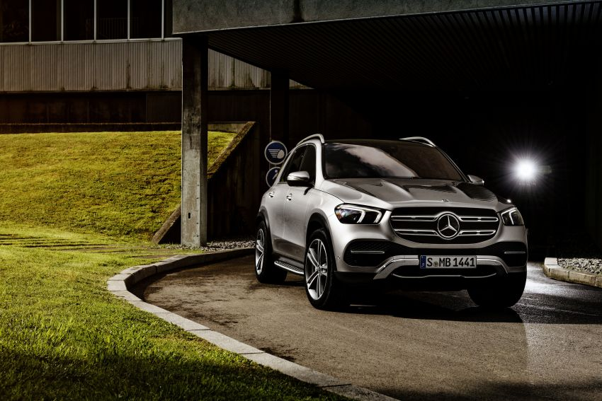 V167 Mercedes-Benz GLE debuts with 48V mild hybrid inline-six, MBUX, new styling, E-Active Body Control Image #859481