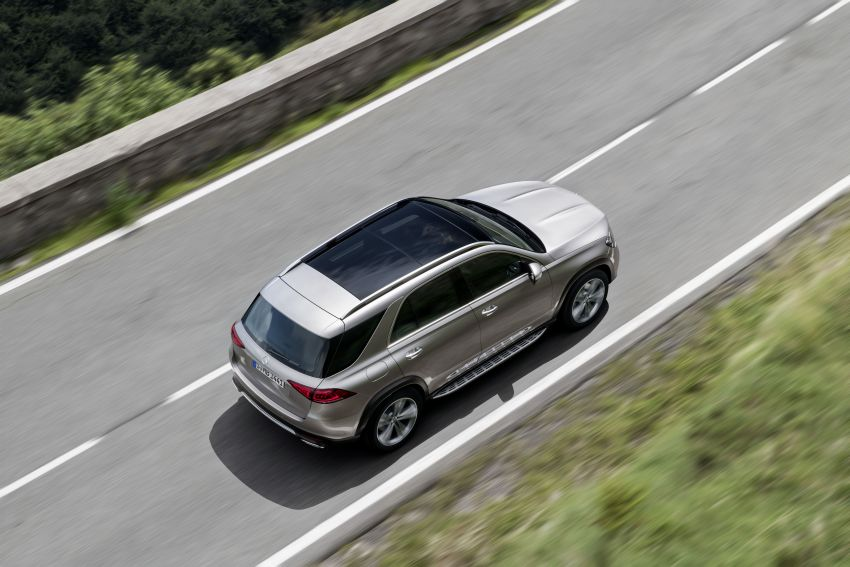 V167 Mercedes-Benz GLE debuts with 48V mild hybrid inline-six, MBUX, new styling, E-Active Body Control Image #859436