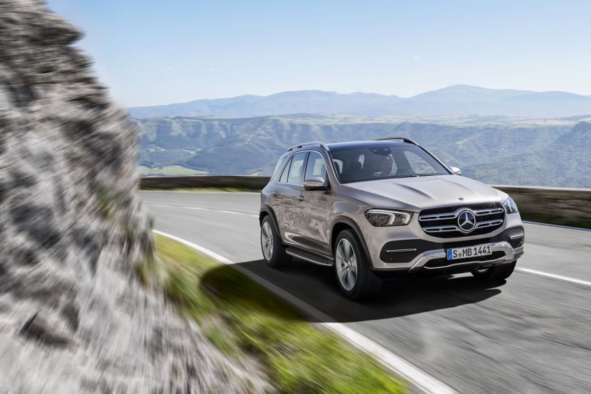 V167 Mercedes-Benz GLE debuts with 48V mild hybrid inline-six, MBUX, new styling, E-Active Body Control Image #859438