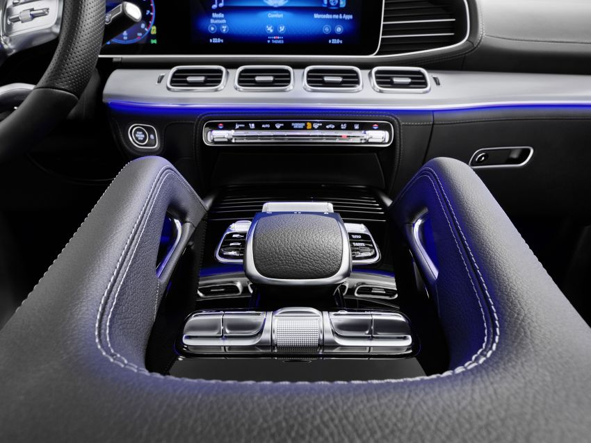 V167 Mercedes-Benz GLE debuts with 48V mild hybrid inline-six, MBUX, new styling, E-Active Body Control Image #859510