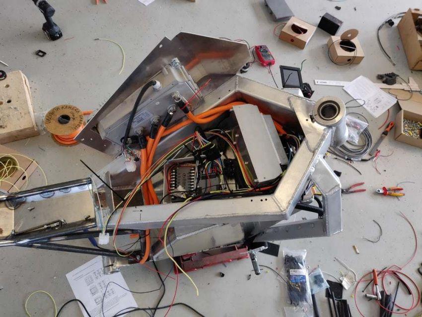 RMK E2 hubless e-bike gets 160 km/h, 300 km range Image #860222