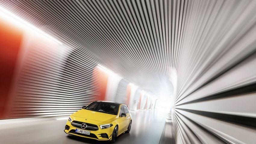 Mercedes-AMG A 35 4Matic didedahkan – 2.0L turbo, 306 hp dan 400 Nm, AWD; Pencabar terus VW Golf R! Image #862345