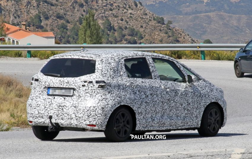 SPYSHOTS: Next-gen Honda Jazz spotted testing Image #865585