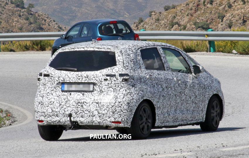 SPYSHOTS: Next-gen Honda Jazz spotted testing Image #865586