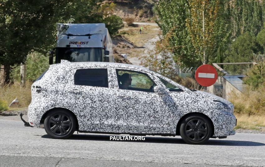 SPYSHOTS: Next-gen Honda Jazz spotted testing Image #865584
