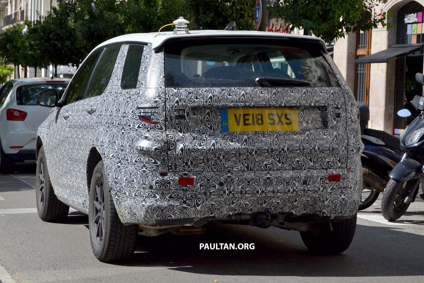 SPIED: Land Rover Discovery Sport facelift testing Image #864179