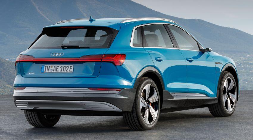 Audi e-tron buat penampilan global – SUV elektrik produksi pertama daripada Audi, kuasa 355 hp/561 Nm Image #863206