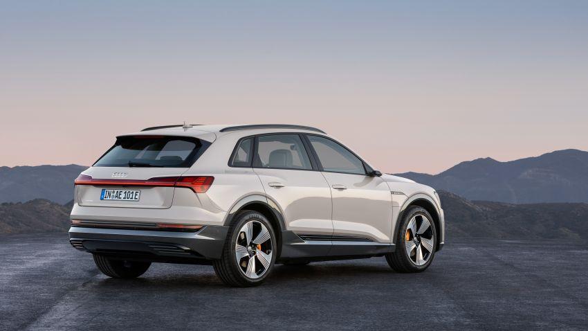 Audi e-tron buat penampilan global – SUV elektrik produksi pertama daripada Audi, kuasa 355 hp/561 Nm Image #863214