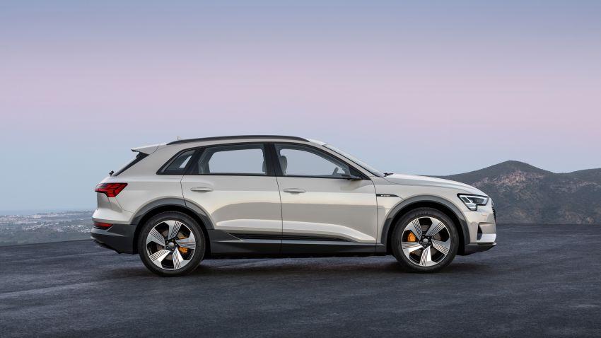 Audi e-tron buat penampilan global – SUV elektrik produksi pertama daripada Audi, kuasa 355 hp/561 Nm Image #863215