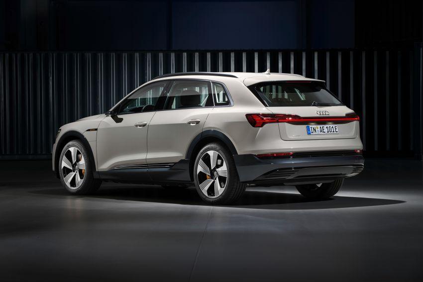 Audi e-tron buat penampilan global – SUV elektrik produksi pertama daripada Audi, kuasa 355 hp/561 Nm Image #863216