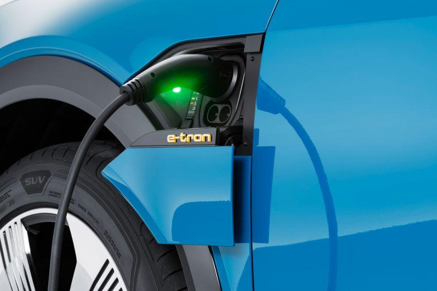 Audi e-tron buat penampilan global – SUV elektrik produksi pertama daripada Audi, kuasa 355 hp/561 Nm Image #863218