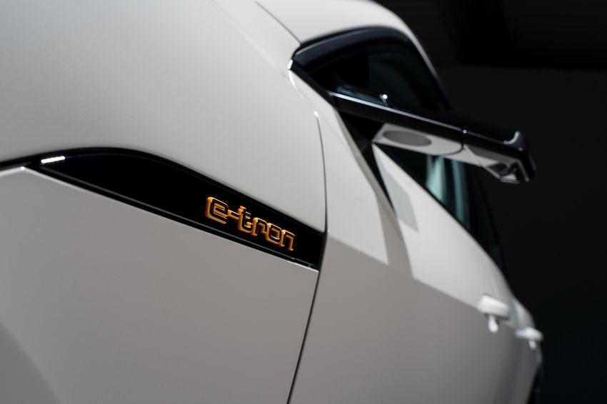 Audi e-tron buat penampilan global – SUV elektrik produksi pertama daripada Audi, kuasa 355 hp/561 Nm Image #863221