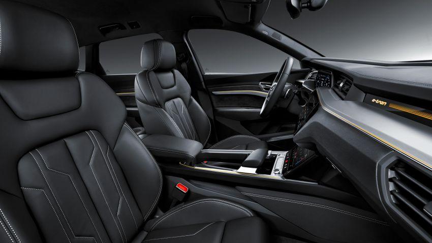Audi e-tron buat penampilan global – SUV elektrik produksi pertama daripada Audi, kuasa 355 hp/561 Nm Image #863225