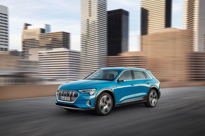 Audi e-tron buat penampilan global – SUV elektrik produksi pertama daripada Audi, kuasa 355 hp/561 Nm Image #863203