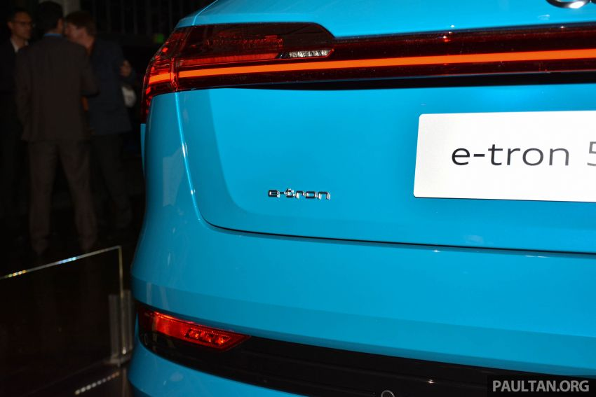 Audi e-tron celebrates global debut in San Francisco – brand's first series production, all-electric SUV Image #862096