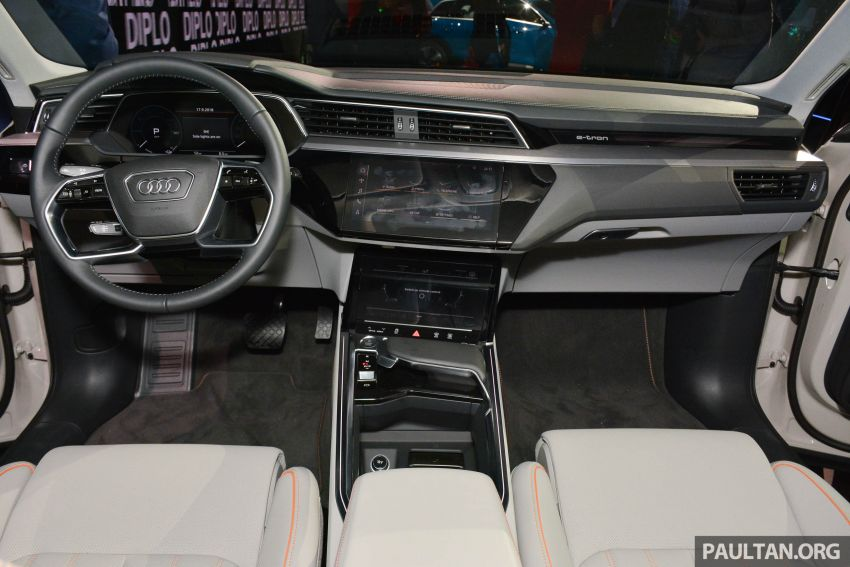 Audi e-tron celebrates global debut in San Francisco – brand's first series production, all-electric SUV Image #862111