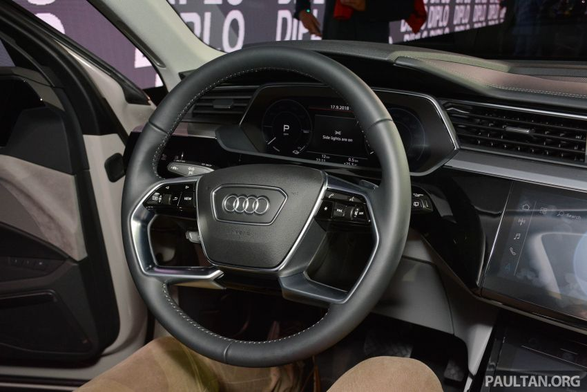 Audi e-tron celebrates global debut in San Francisco – brand's first series production, all-electric SUV Image #862113
