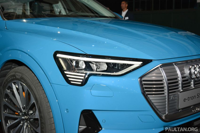 Audi e-tron celebrates global debut in San Francisco – brand's first series production, all-electric SUV Image #862083