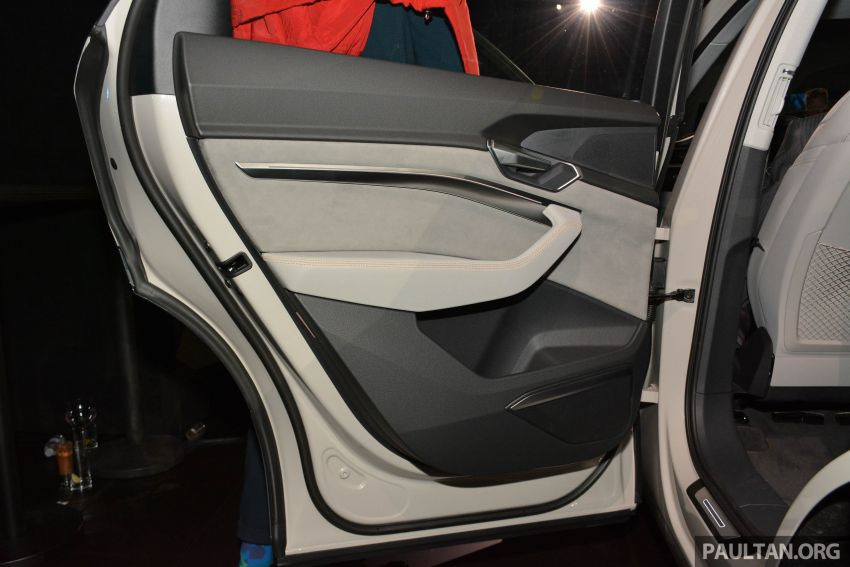 Audi e-tron celebrates global debut in San Francisco – brand's first series production, all-electric SUV Image #862131
