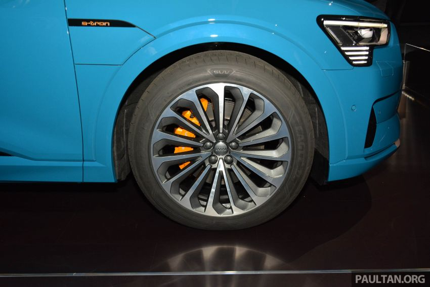 Audi e-tron celebrates global debut in San Francisco – brand's first series production, all-electric SUV Image #862087