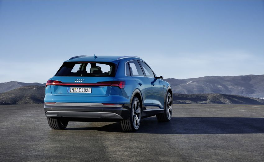 Audi e-tron celebrates global debut in San Francisco – brand's first series production, all-electric SUV Image #861774