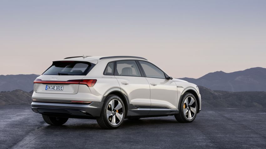 Audi e-tron celebrates global debut in San Francisco – brand's first series production, all-electric SUV Image #861781
