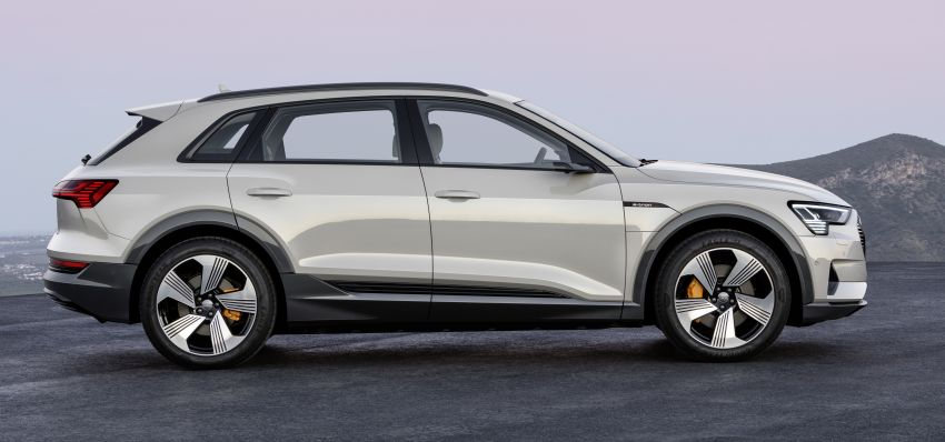 Audi e-tron celebrates global debut in San Francisco – brand's first series production, all-electric SUV Image #861783