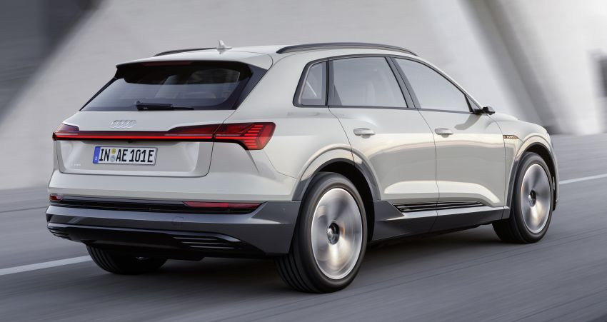 Audi e-tron celebrates global debut in San Francisco – brand's first series production, all-electric SUV Image #861785