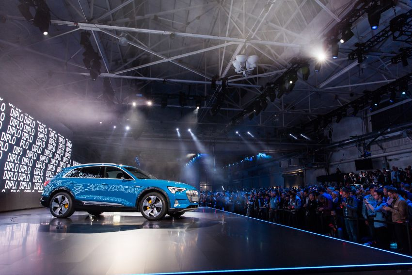 Audi e-tron celebrates global debut in San Francisco – brand's first series production, all-electric SUV Image #862144