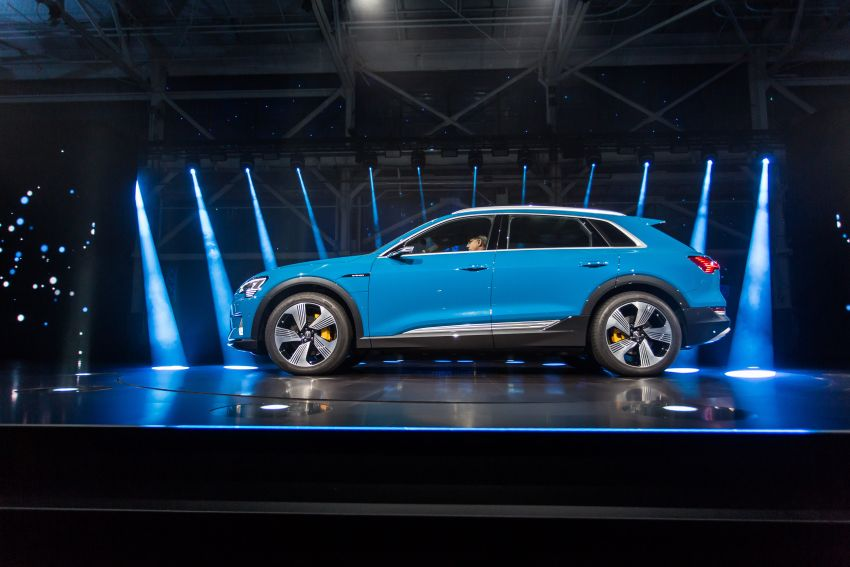 Audi e-tron celebrates global debut in San Francisco – brand's first series production, all-electric SUV Image #862145