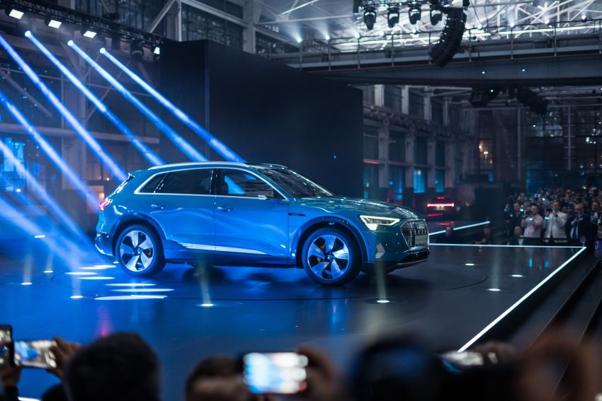 Audi e-tron celebrates global debut in San Francisco – brand's first series production, all-electric SUV Image #862146