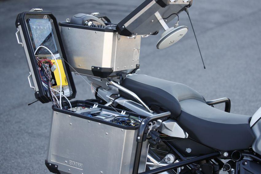 VIDEO: BMW Motorrad previews autonomous bike Image #860436