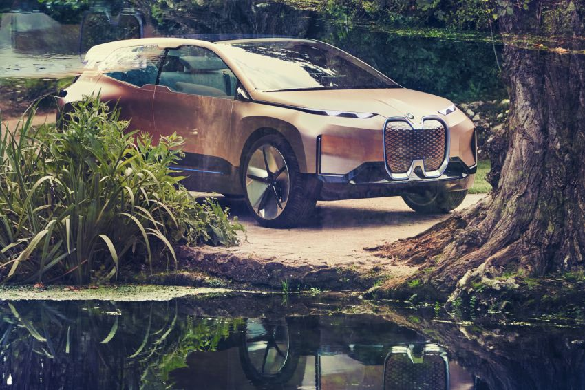 BMW Vision iNEXT previews all-electric SUV for 2021 Image #862287
