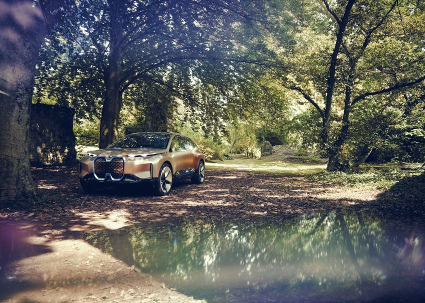 BMW Vision iNEXT previews all-electric SUV for 2021 Image #862294