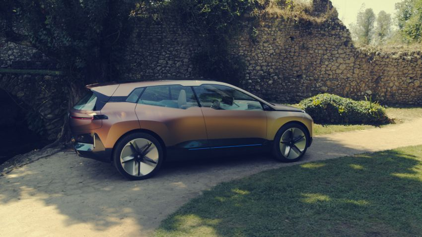 BMW Vision iNEXT previews all-electric SUV for 2021 Image #862304